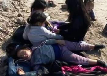 Niñas abandonadas en la frontera