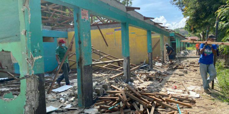 Reconstrucción de escuelas